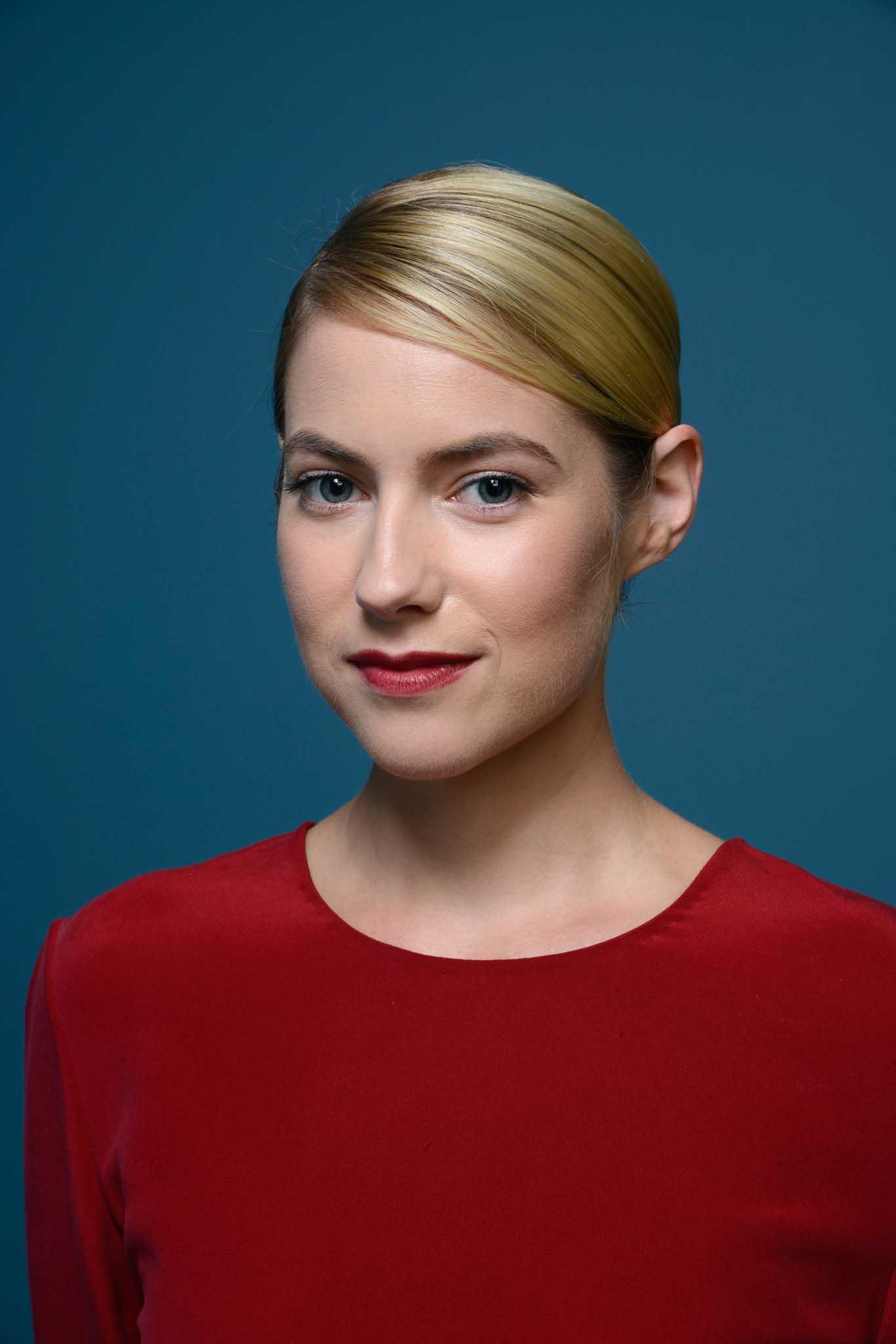 Laura Ramsey | Full Bio, Movies, Instagram, Net worth 2021