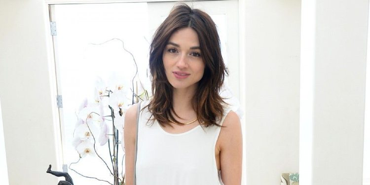 Details of Crystal Reed's Relationship History