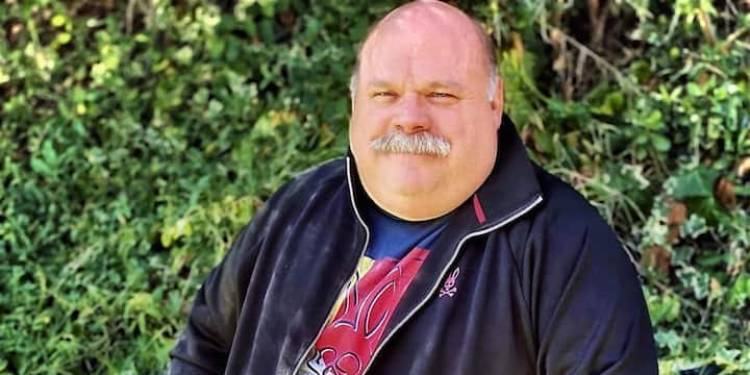 Kevin Chamberlin, A Proud Gay Man Admits Being Happily Married